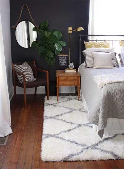 Vloerkleed Onder Het Bed Bij Het Goedkoop Opknappen Van Je Slaapkamer