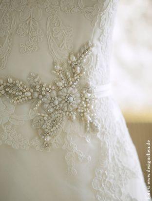 Schöne Brautaccessoires in München | The White Dress Company - Brautmoden München