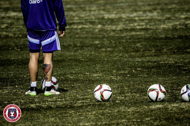 Ever Banega   Second @Argentina training session @georgetownhoyas #TOCA #PLAYsimple #GiraPorEEUU @Ever10Banega