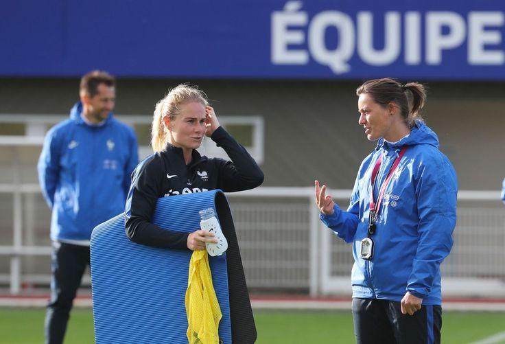 Installées depuis lundi midi au CNF Clairefontaine, les Bleues se sont entraînées sous la direction de Corinne Diacre, à quatre jours de leur match amical contre le Chili (vendredi, 21h00 à Caen).