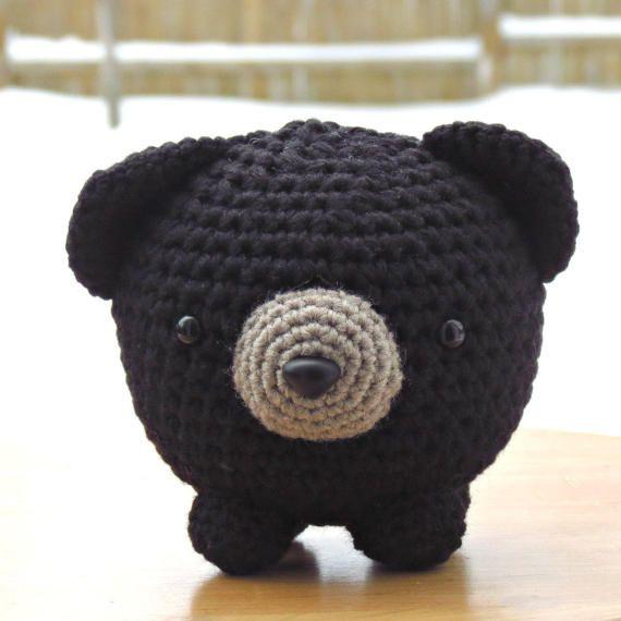 Grégoire the black bear