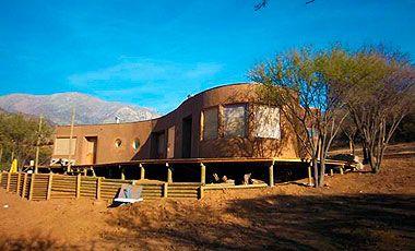 Casas hechas con fardos de paja ahorran un 75% en energía   Nacional   LA TERCERA