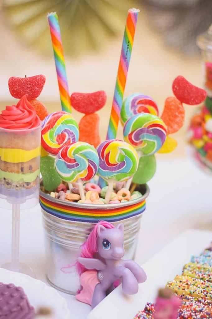Rainbow Themed My Little Pony Party with Such Cute Ideas via Kara's Party Ideas | KarasPartyIdeas.com #RainbowParty #MyLittlePonyParty #Part... I love how the fruit loops act as the stablizer for the suckers.