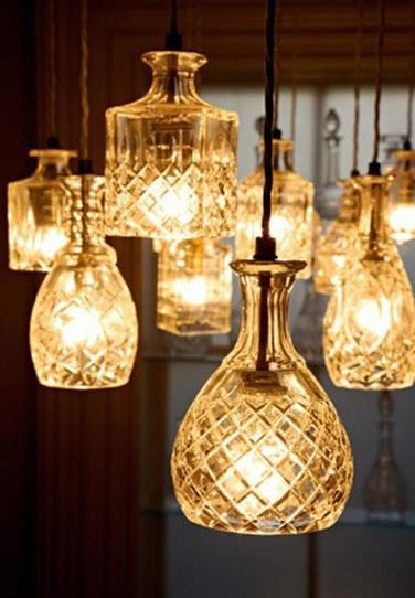 Cualquier objeto transparente puede servir como iluminación, solamente es de aplicarle un poco de ingenio.
