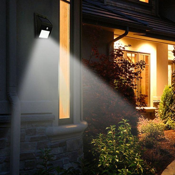 Piccolo ma funzionale, con pannello solare da 0.44W emana un flusso luminoso di 160 lumen pari a 13 watt c.a.