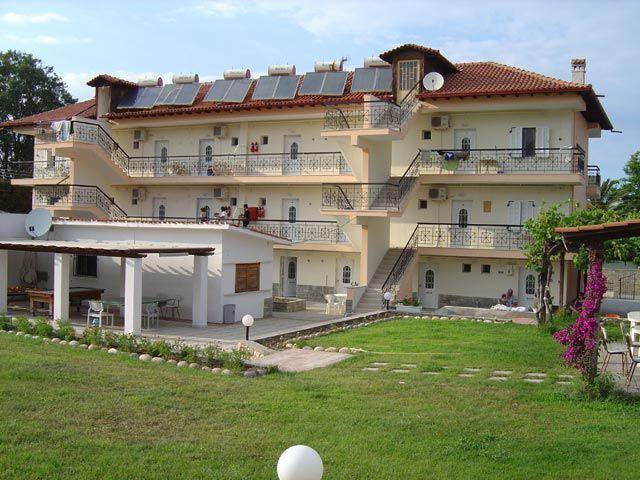 Chalkidiki, Polychrono, Apartments Theramvos | travelovergreece