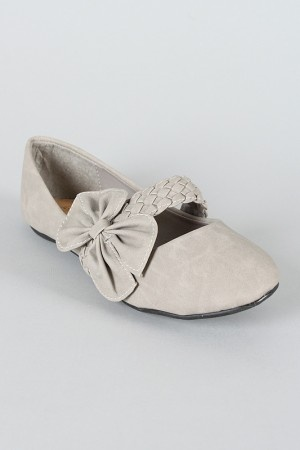 yes please!Bows Flats, Skinny Jeans, Wedding Shoes, Jane Ballet, Ballet Flats, Mary Jane, Bows Straps, My Style, Bows Mary