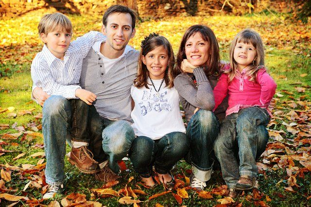 Photo de famille lifestyle. Photographe de photos de famille sur Saint-etienne Lyon