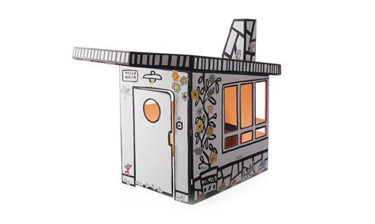 kartonnen speelhuis genaamd Villa Julia