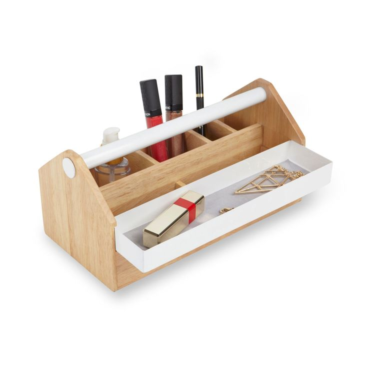 Inspired by the functional practicality of traditional tool boxes, Toto can be used at work or as a jewellery box at home.