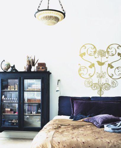 love the armoire: Home Magazine, Purple Accent, Black Cabinets, Gråt Og, Glasses Cabinets, Alt Er, Magasinet Mobiles, Er Gråt, Hvor Alt