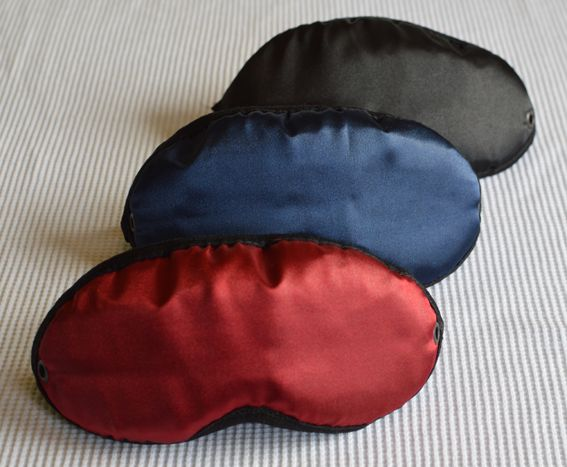 As I was packing for my flight this morning, i realized that i really need a good eye mask for long distance flights.  Hibermate Mask prototypes in three colours