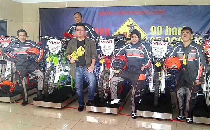 Motor Trail Viar Siap Keliling Indonesia - http://iotomotif.com/motor-trail-viar-siap-keliling-indonesia/31462 #MotorTrailViar, #MotorTrailViarKelilingIndonesia, #Viar, #ViarCrossX200, #ViarKelilingIndonesia, #ViarMotorIndonesia