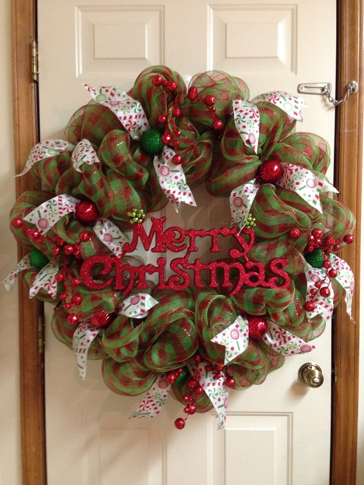 Deco mesh christmas wreath craft ideas diy pinterest for Pinterest christmas decorations