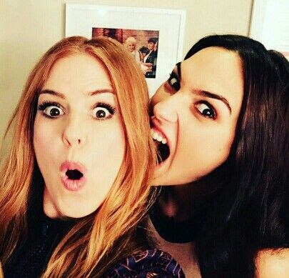 Isla Fisher and Gal Gadot get a little crazy!!!