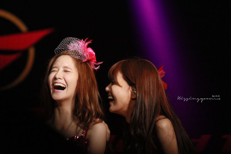 #Yoona #윤아 #ユナ #SNSD #少女時代 #소녀시대 #GirlsGeneration 130721 World tour - Taipei Kissingyoon