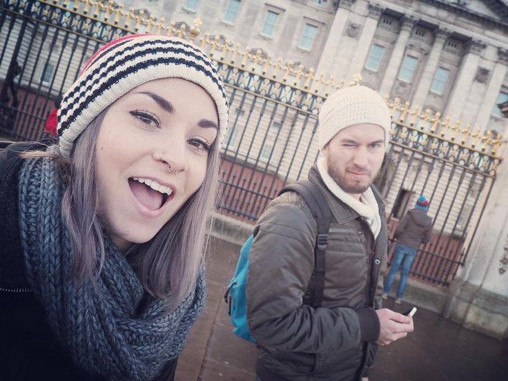 Ha j'ai bu là. Buckingham Palace. by emma04044