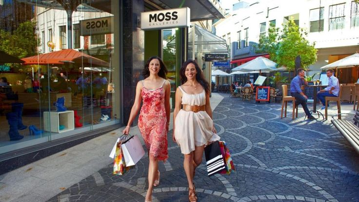 Shopping in Auckland  Shop at fabulous fashion boutiques for top international labels and New Zealand designers, browse the high street stores or visit one of the city's numerous malls. Head to local farmers' markets to pick up fresh produce and gourmet goodies. 
