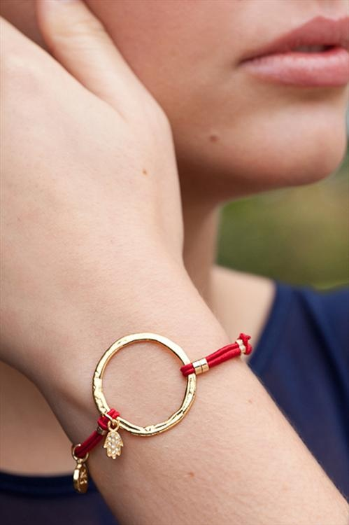 love this. without the dangling charms, though.