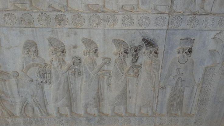 Persepoli è una città fantastica con statue e bassorilievi perfettamente conservati. Non si può non visitarla - Recensioni su Persepoli, Shiraz - TripAdvisor