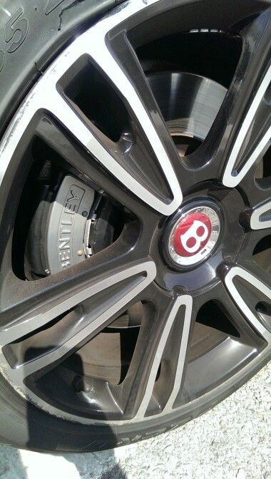 Bentley rim and caliper, Puerto Banus - 14