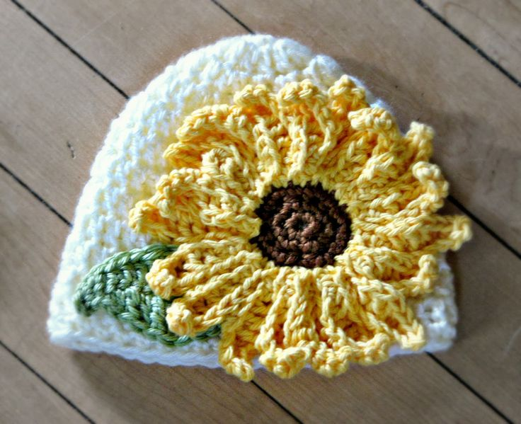 Everyday Handmade: Sun Flower Hat - Free Crochet Pattern