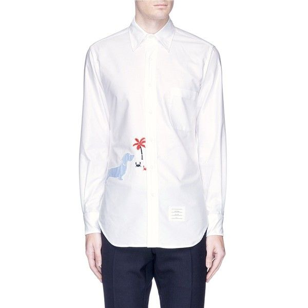 Thom Browne 'Hector' appliqué cotton Oxford shirt (3.317.400 COP) ❤ liked on Polyvore featuring men's fashion, men's clothing, men's shirts, white, mens white oxford shirt, mens white shirts, mens oxford shirts, mens white cotton shirts and mens cotton oxford shirts