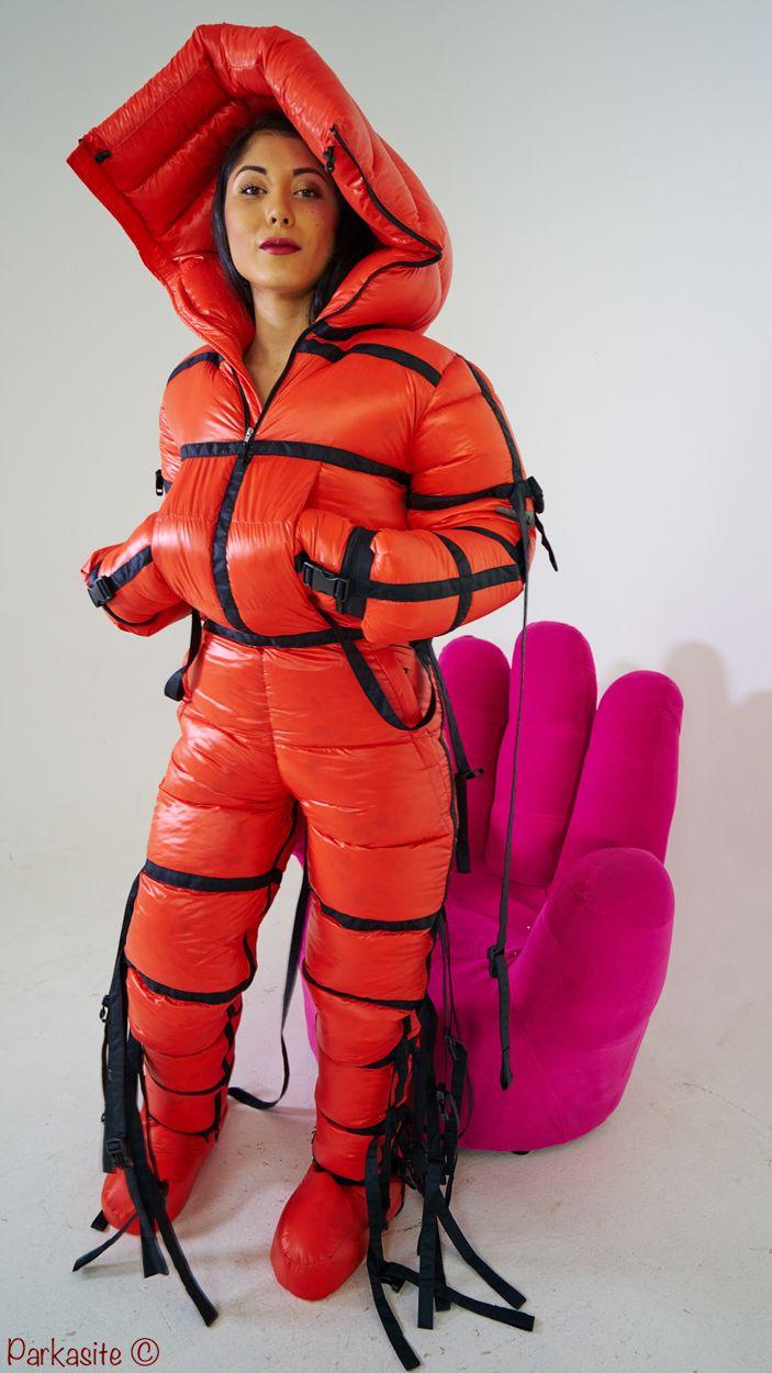 Citygalerie Ski Suits Nylons Zwangsjacke Lack Und Leder