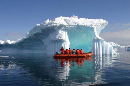 Antarctic cruise adventure