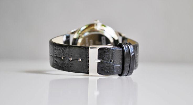 Comanda pana la 04 iulie si la achizitionarea acestui ceas, primesti cadou o curea din piele naturala - lucrata exact pe gustul tau si transport gratuit! Intra pe Facebook si vezi produsele aflate in campanie