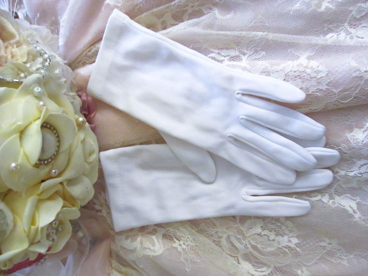 Vintage 1950's wedding gloves White gloves retro wedding gloves formal evening bridal gloves rockabilly glamour style by thevintagemagpie01 on Etsy