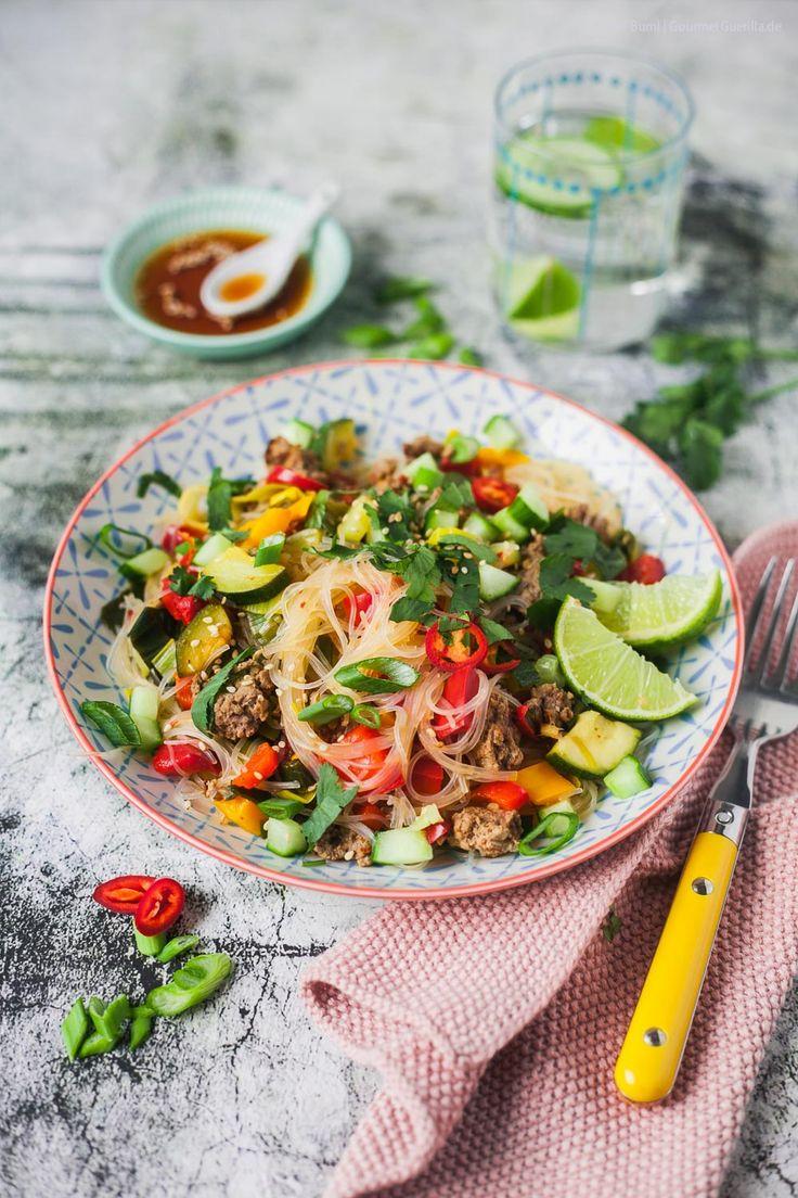 Das Rezept für Glasnudelsalat Thai-Style mit Rindfleisch und viel Gemüse