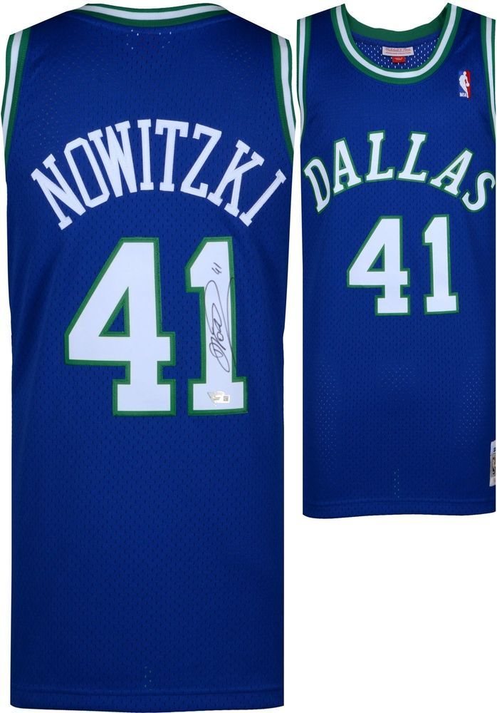 43eb694dd26 Autographed Dirk Nowitzki Mavericks Jersey Fanatics Authentic COA  Item 8830247