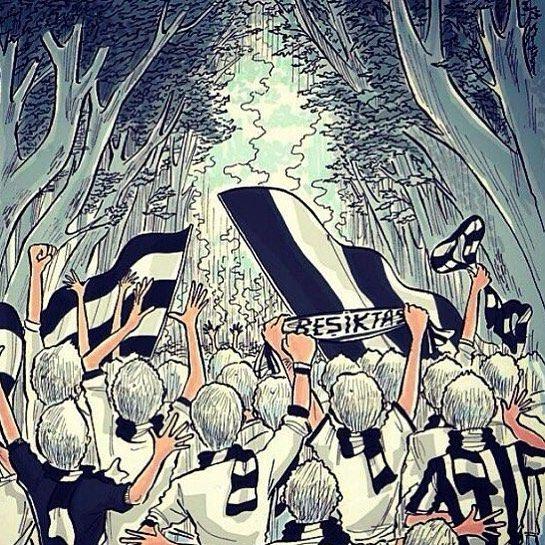 """Hazır bugün BEŞİKTAŞ-Fenerbahçe derbisi var 2003 deki keyifli hikayeyi hatırlayalım ve yaratıcı Beşiktaş taraftarlarından kesitler sunalım.. Yıl 2003 günlerden 2 Şubat Fenerbahçe- BEŞİKTAŞ derbisi var. Derbide Fenerbahçe tribünlerindeki bir pankarttaki cesur yürek Ortega yazısının hemen altında Türkçe anlamı """"Korkak Tavuk Ortega"""" olan İspanyolca sözler yazılı. Maçtan önce Beşiktaşlı Kartalizma grubu tarafından hazırlanan ve stada sokulan üst düzey bir yaratıcı Beşiktaş taraftarı örneği…"""