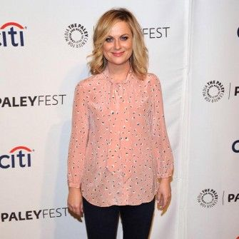 Amy Poehler pays tribute to late producer