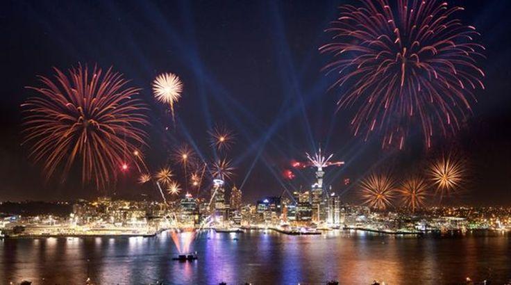 [Πρώτο Θέμα]: Το 2017 έφτασε! Νέα Ζηλανδία, Πολυνησία και νησιά Ειρηνικού υποδέχθηκαν τον νέο χρόνο | http://www.multi-news.gr/proto-thema-2017-eftase-nea-zilandia-polinisia-nisia-irinikou-ipodechthikan-ton-neo-chrono/?utm_source=PN&utm_medium=multi-news.gr&utm_campaign=Socializr-multi-news