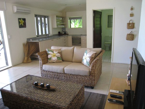 Beachfront 2 Bedroom suite - This large apartment styled suite is ideal for two couples or an adult family.