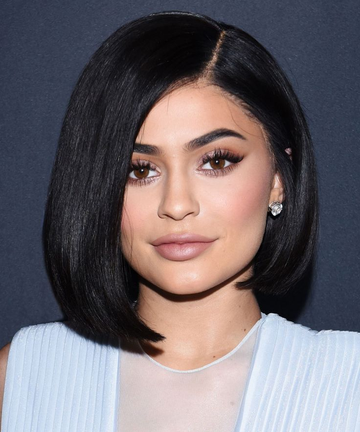 Kylie Jenner Snapchat Makeup Routine Tried At Home | What it's really like to try Kylie Jenner's 18-step Snapchat makeup routine. #refinery29 http://www.refinery29.com/2016/07/117277/kylie-jenner-snapchat-makeup-routine