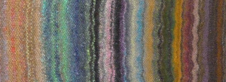 Il s'agit du modèle Elle Tricote réalisé en Flower Bed et Flower Bed Shaggy (fil bouclette). J'ai tricoté cette écharpe au point de riz en alternant les deux matières. Cette réalisation m'a permis ...