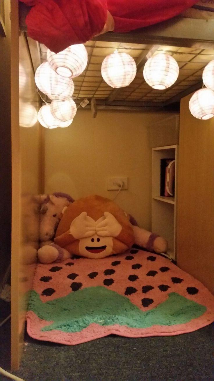 Lights, bookcase, curtain hideyhole