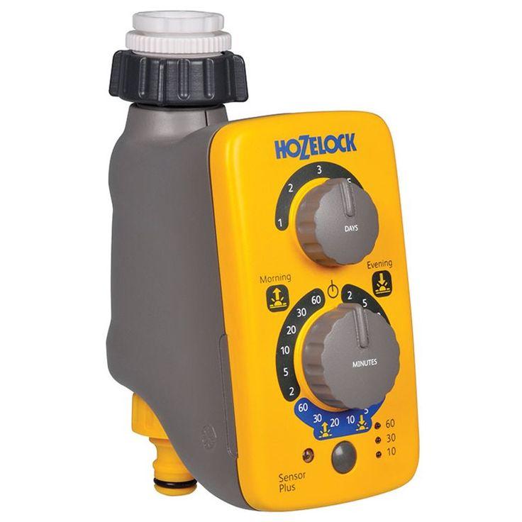 Elektronisk bevattningskontroll med sensor som automatiskt justerar bevattningsprogrammet att starta vid soluppgång och/eller solnedgång, den bästa tiden för bevattning.