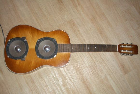 Turn an old broken #guitar into a cool speaker cabinet #diy via @Linda Bruinenberg Norris Rasowsky