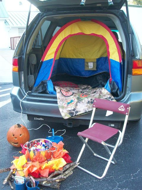 Campfire and Tent in a trunk - very clever!
