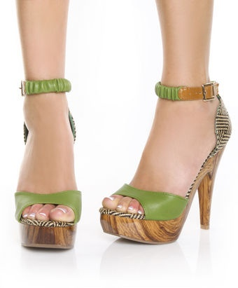 more summer fashion, I love the wood and crazy contrasts! : Currently Woven, Fashion Shoes, Cute Shoes, Woven Platform, Platform Pumps, Mia Trinidad, My Mona, Platform Shoes, Trinidad Green