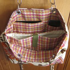 I love the inside of this bag, but I must add a top zip.  Round here any open bag is a pick pockets direct invite.    I'm think of dog picnic bag though, for all my canines things for the day out.