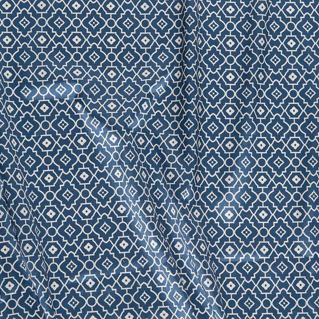 Forros con formas geométricas, ¡nos encantan! 💕  Disponible también en otros colores, pronto os los enseñamos!⠀  #peleteriagabriel #unanuevapiel #arreglos #arreglosdepeleteria #forros #hechoamano #artesanal #fashion #peleteria #zaragoza #fattoamano #altapeleteria