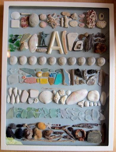 ビーチに落ちている漂着物を拾い集める遊びのことを【ビーチコーミング】と言います。綺麗な貝殻や流木、ビーチグラスなどを拾ってハンドクラフトの材料にしてみませんか?宝探し感覚で近所や旅先のビーチを散策するのが楽しみになりますよ♪