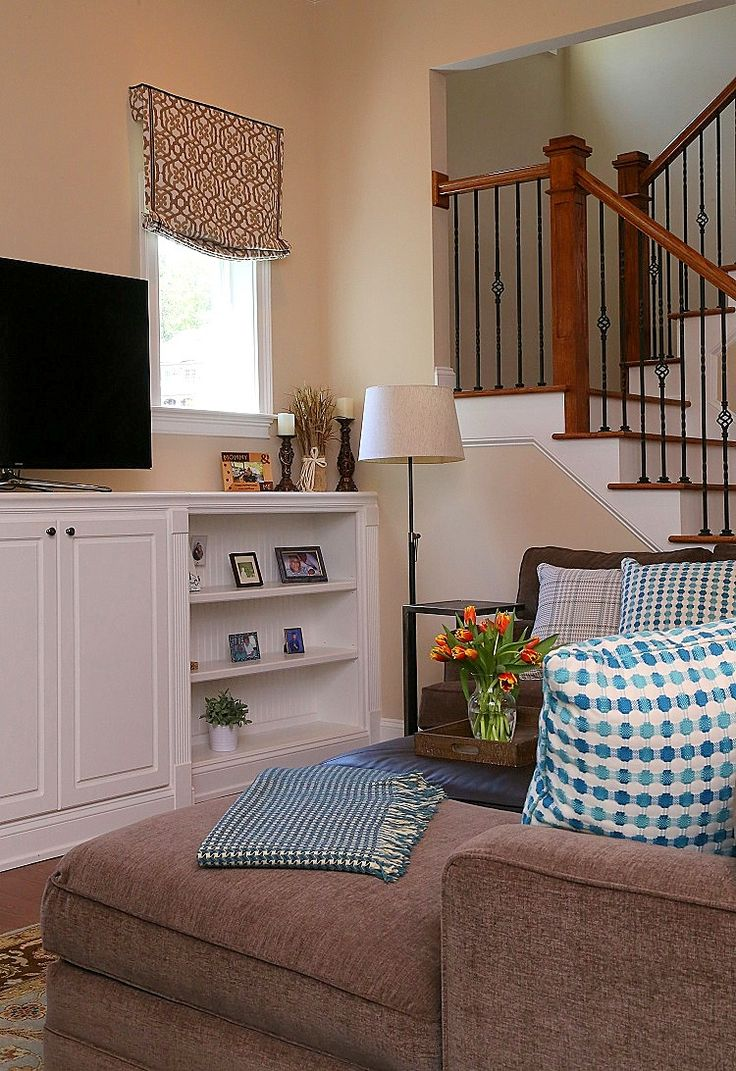 This Shows How To Dress The Small Windows Builders Are Using In Family  Rooms Right Now