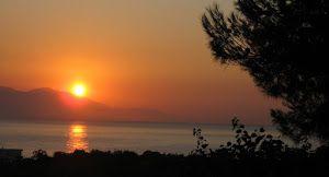 VIDEOS - 27 ΝΟΕ 2014: Συμβολισμοί... 50 μήνες μετά, επανεκκίνηση από το ίδιο σημείο... ΕΡΓΑ ΟΣΕ ΑΙΓΕΙΡΑ:  27-11-2014 ώρα 11,27 πμ. μετά από 50 ακριβώς μήνες ολοκληρώθηκε το ξήλωμα της γραμμής του Τρικούπη στην Αιγείρα,