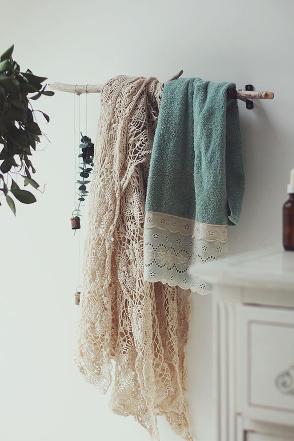 Foraged (i.e. Free!) Decor: 9 Functional Ways to Decorate With Tree Branches this Fall
